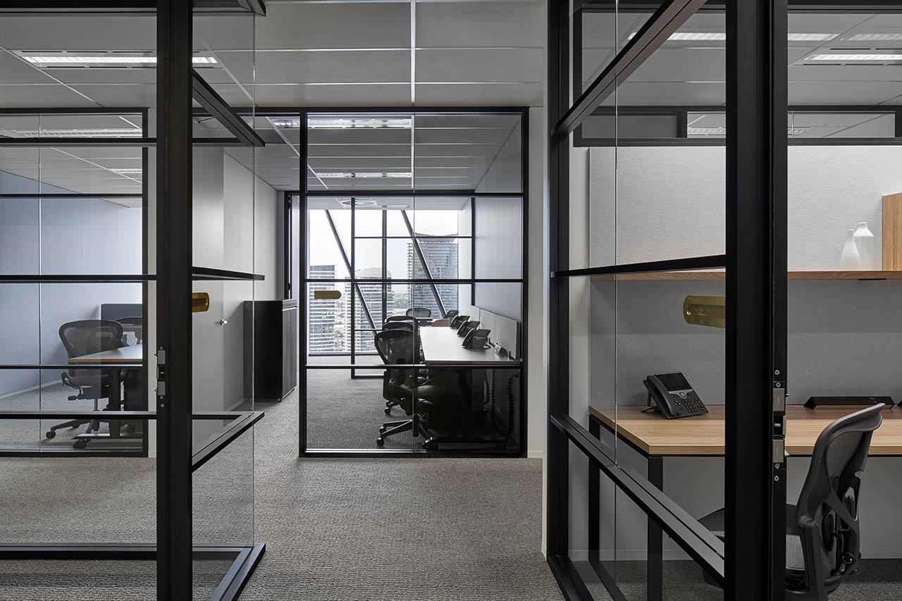 租用位于墨尔本市中心的私人办公室