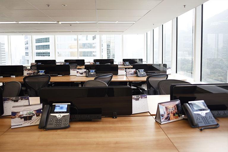 홍콩 비즈니스 중심에 위치한 전용 사무실을 임대하세요