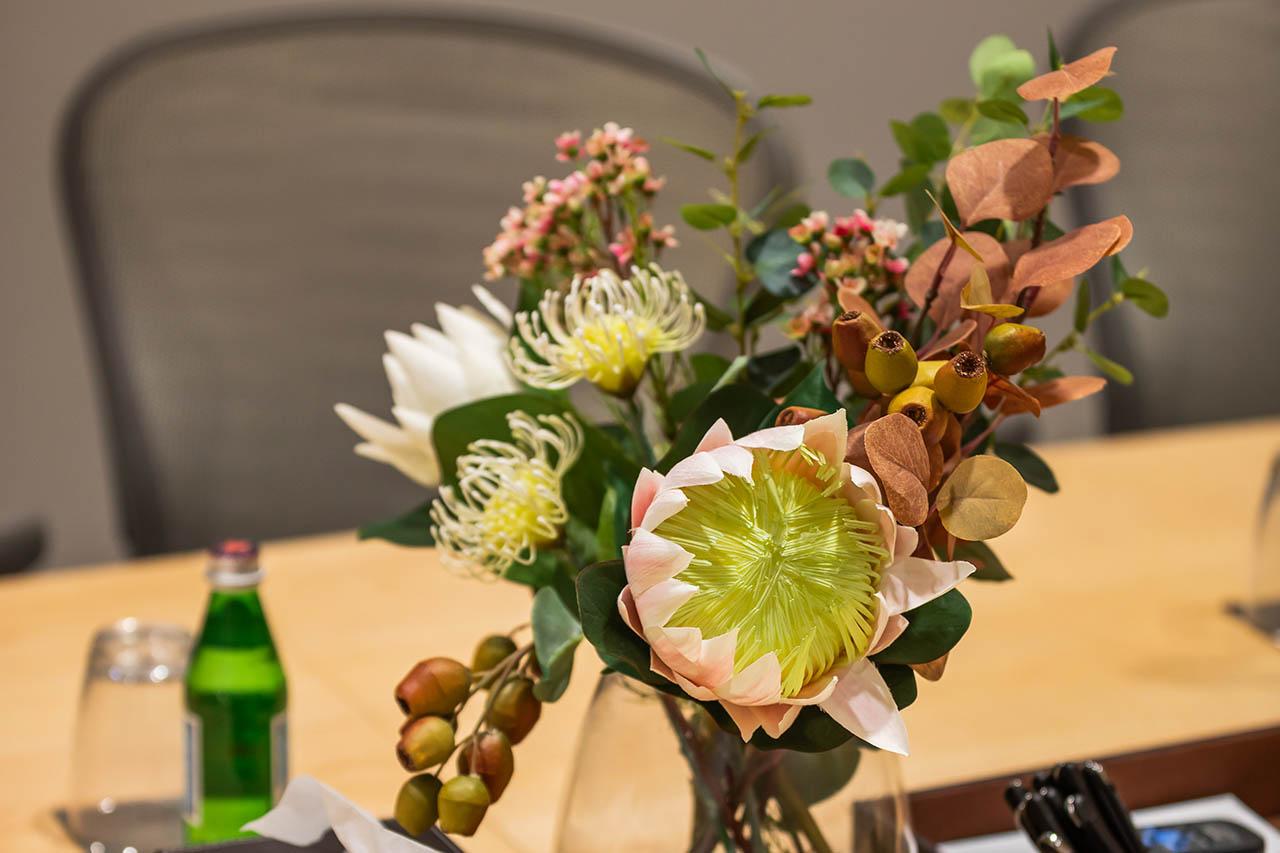 브리즈번의 비즈니스 중심에 위치한 회의실에서 여러분의 다음 회의를 주최해보세요