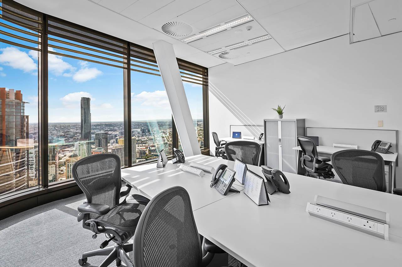 브리즈번 비즈니스 중심에 위치한 전용 사무실을 임대하세요