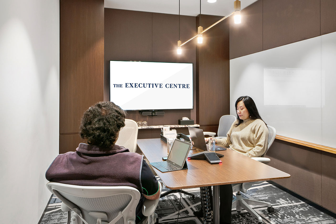 멜버른의 비즈니스 중심에 위치한 회의실에서 여러분의 다음 회의를 주최해보세요